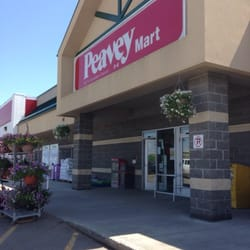 Peavey Mart Opening in Fort Richmond Plaza