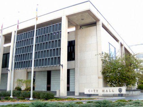 City Hall Negotiates with Starlight